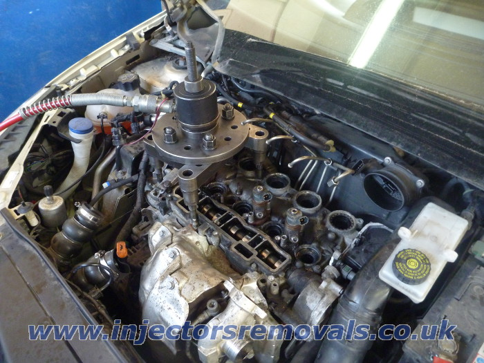 injector removal from peugeot citroen with 1 6 hdi 16v engines. Black Bedroom Furniture Sets. Home Design Ideas
