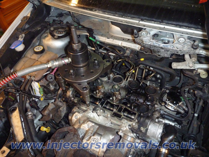 Injector removal from any Ford with 1,6 TDCI