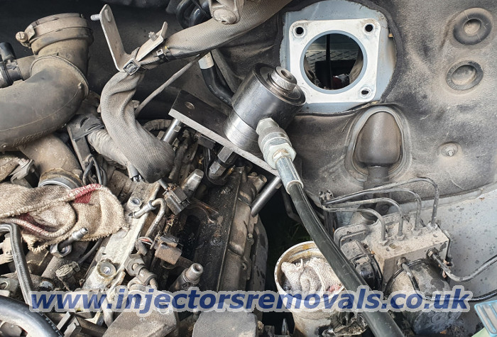 Injector removal from Mercedes Viano /