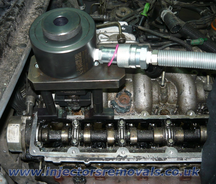 Injector removal from Suzuki Vitara with 2.0 /